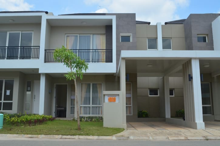 3 Bedrooms House at Orchard Park by Agung Podomoro