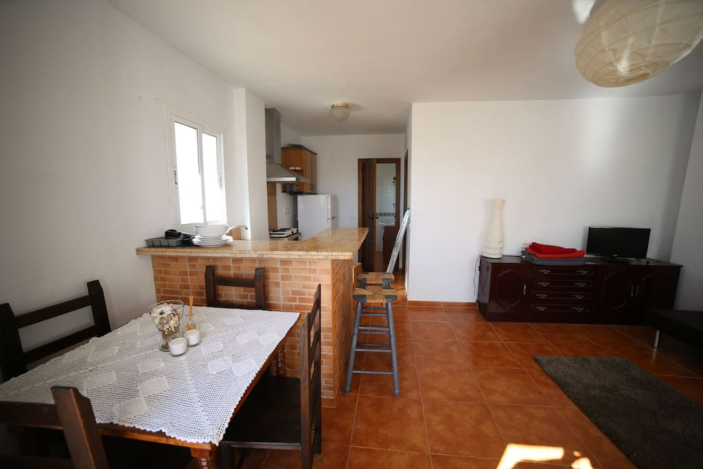 The kitchen area / breakfast bar.