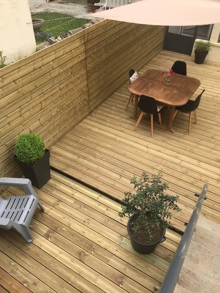 Maison de ville accès direct jardin public