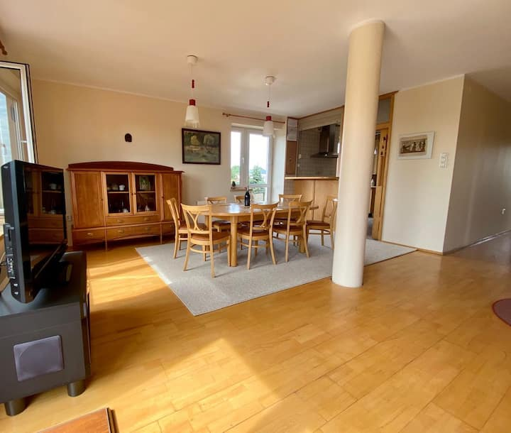 Sunny apartment -120 sqm, close to the city center
