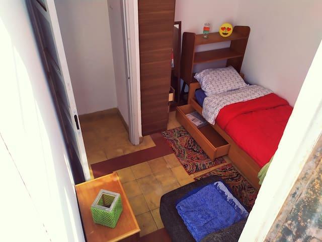Jonas friendly habitación small solo para varones