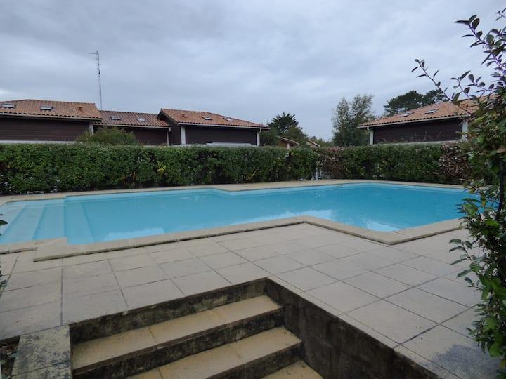 Villa patio 3 chambres dans résidence avec piscine