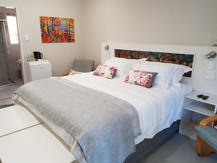 1 A Country Garden GuestHouse1 - Lavender Room