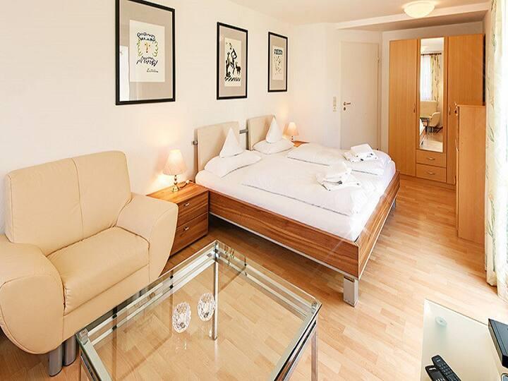 Apartmenthaus am Schwarzwälder Hof, (Bad Bellingen), Ferienwohnung 7B, 2 Schlafzimmer, max. 4 Personen