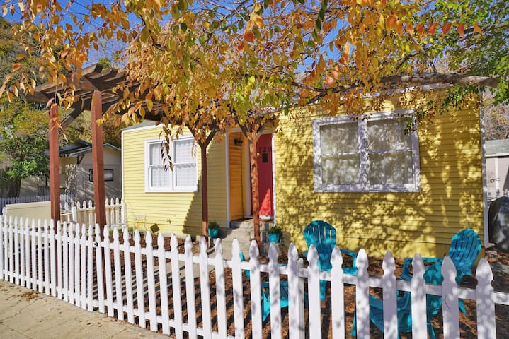 Walk to Downtown & Mid State Fair!! - Paso Robles - House