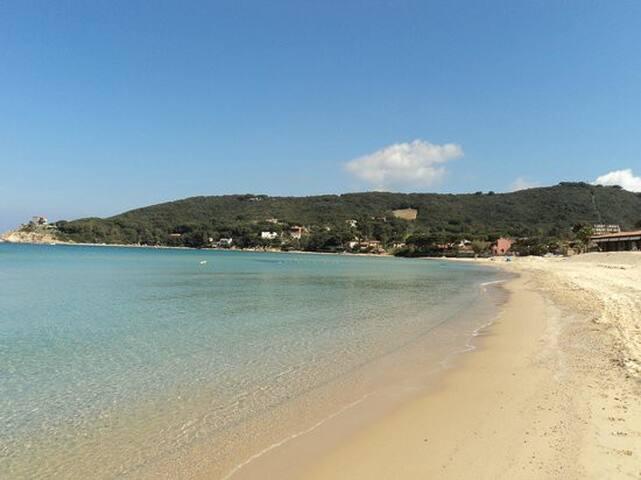 La spiaggia di Procchio