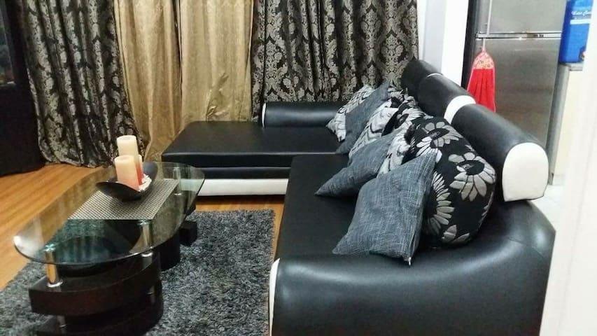 One bedroom unit in Robinsons Condominium Ermita