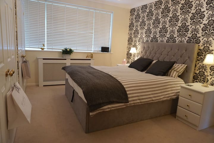 North Waltham - Country charm, king bed, ensuite