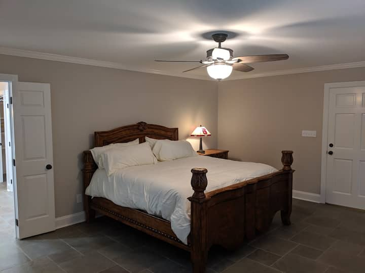 North Hills Private In-Law Suite