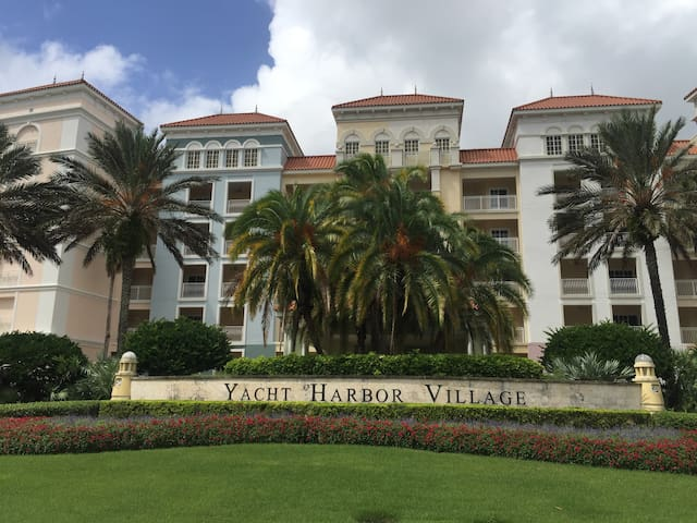 Yacht Harbor Waterfront Condo in Palm Coast, Fla.