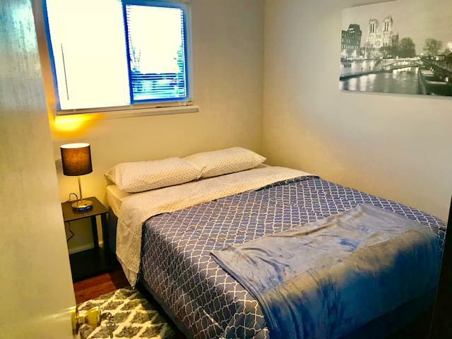 Traveling Nurse/Student Room cozy long stay