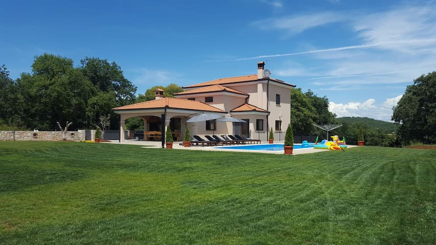 Villa with POOL near Rovinj - Rovinjsko Selo - Villa