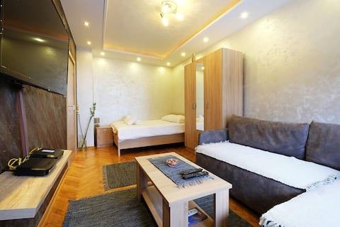 Travertino Apartment