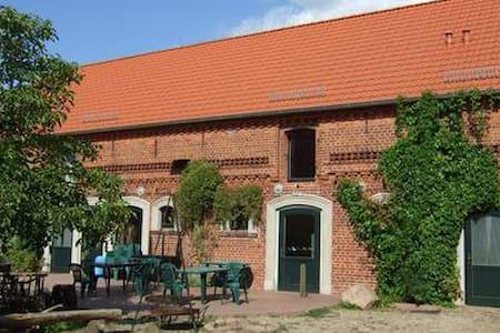 Gemütliches Studio auf historischem Hof
