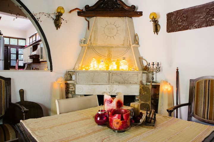"""Ζούμπερι- Παραδοσιακή κατοικία 'Χρυσή"""""""