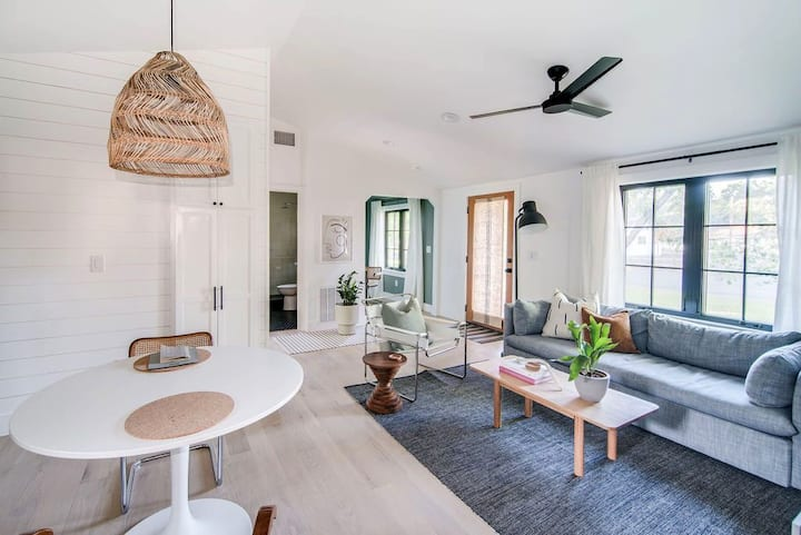 The Cape Guesthouse I Brand NEW I Modern Bungalow