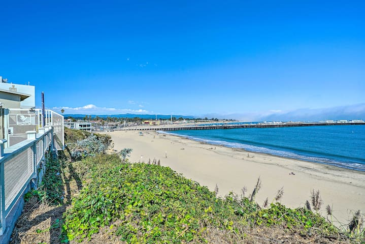 Lovely Santa Cruz Home w/ Yard, 1.5 Mi to Coast!