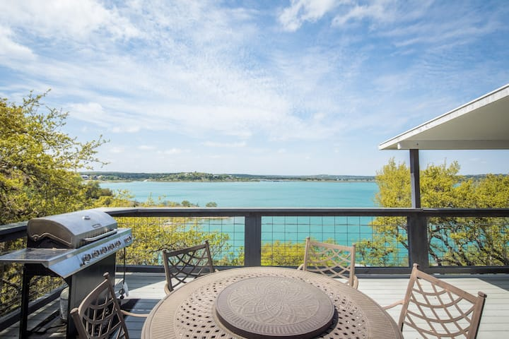 Lakeside Villa- Waterfront & Best Views on the Lake, Featured on HGTV!