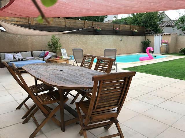Maison avec piscine, entre Narbonne et plages