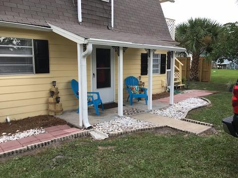 Adorable porches