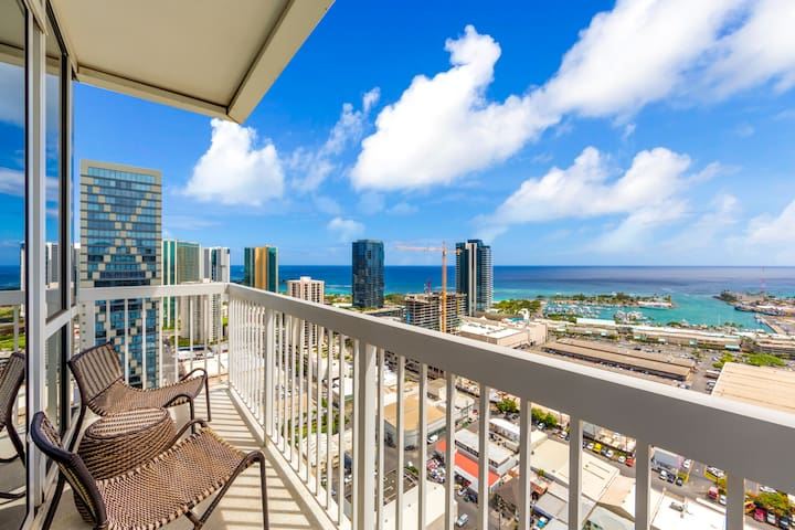 Delightful high floor condo with ocean & mountains preferred view!| Sleeps: 2 Bedroom, 2 Bathroom
