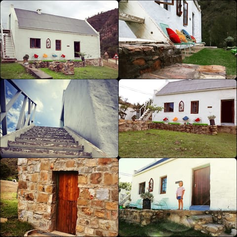 Quirky little house in the Outeniqua mountains