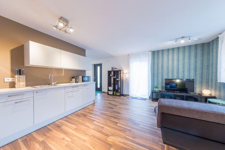 Apartment Kirchheim - 2,5 Zimmer, Zentral, Modern - Kirchheim unter Teck - Condominio