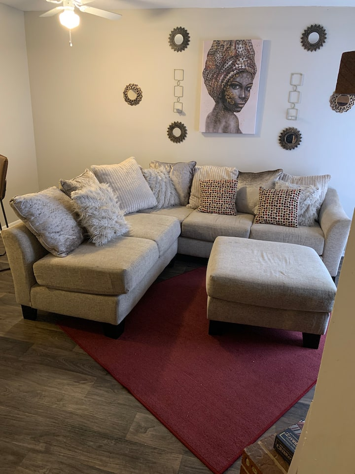 Cozy Entire Townhouse Loft 7mins from Uptown