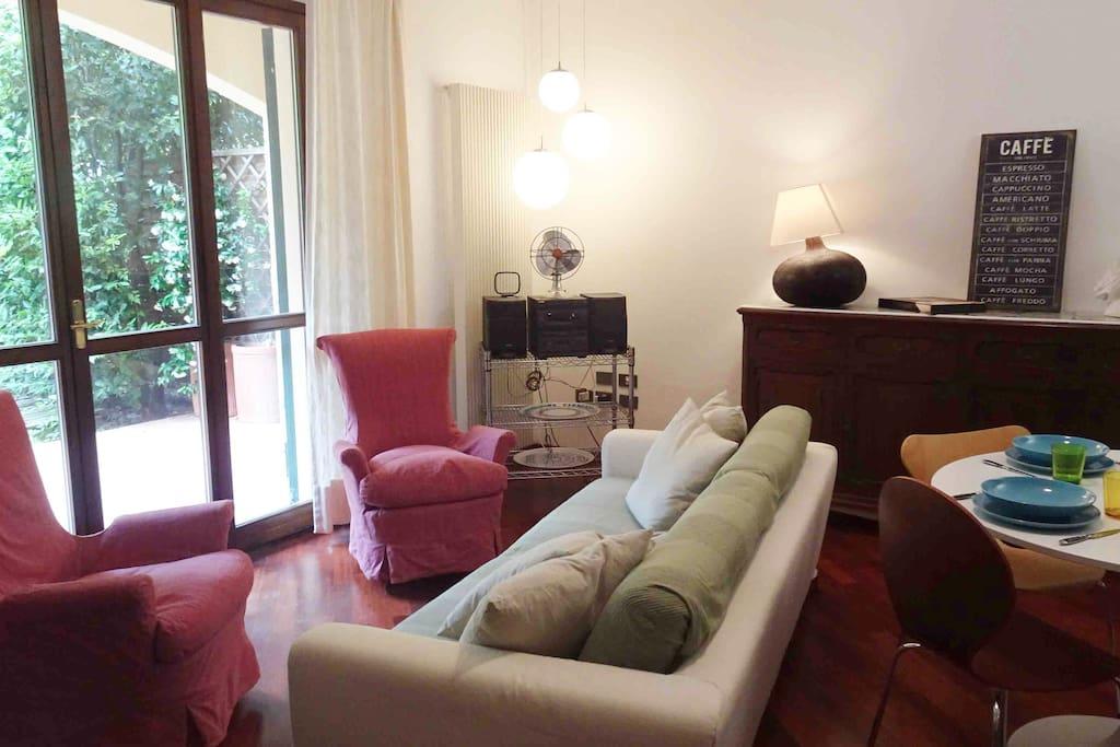 Casa Con Giardino Sesto Fiorentino : Casa apt con giardino colline firenze flats for rent