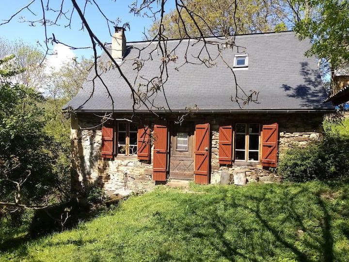 Grange rénovée dans un hameau de montagne