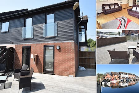 Heron Cottage Luxury Waterside Townhouse Sleeps 4