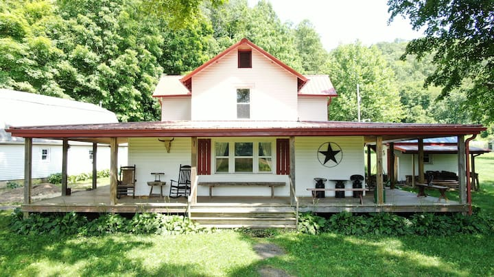 Big Pine Ranch in the heart of Hocking Hills