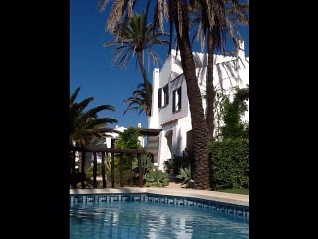 Casa en Fornells, 3 hab, 2 baños, 2 piscinas