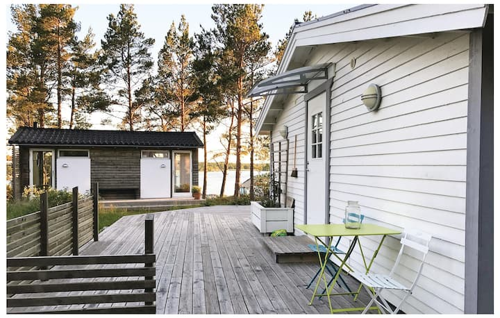 Nice home in Vikbolandet with 3 Bedrooms