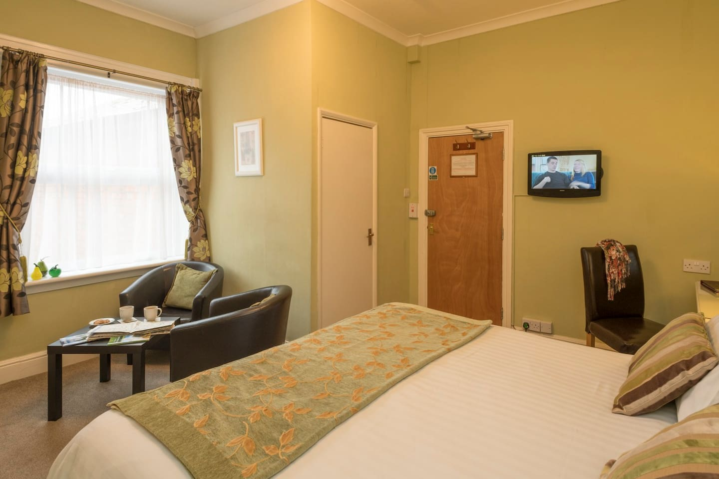 Our peaceful and comfortable Gloucester room