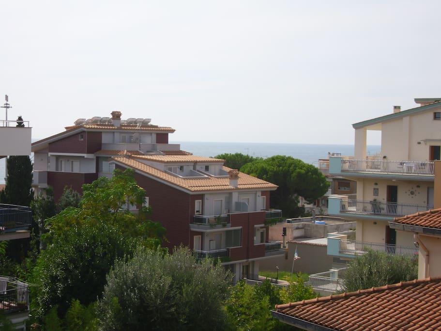 Vista mare dal balcone
