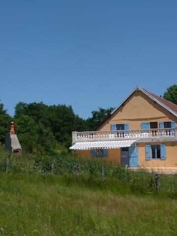 gite les Mongins Bourgogne du Sud - Tavernay - Дом