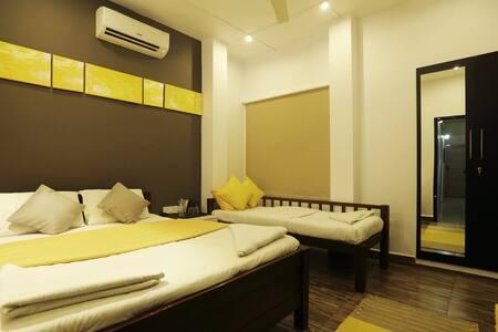 serviced apartment near U.S consulate - Chennai