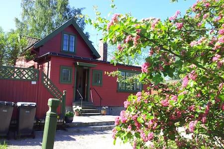 Charming Villa in Kolbotn near Oslo - Casa