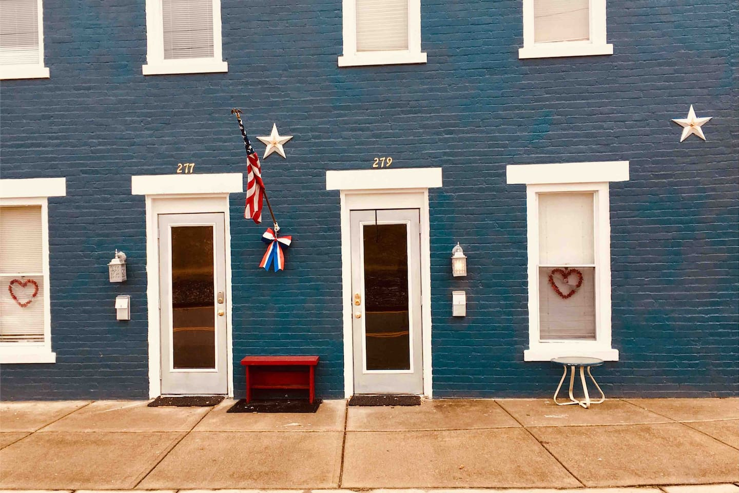 ENJOY!! Right in the heart of Downtown Lawrenceburg is the 2nd oldest historical federal building. Theme decor from New York to Paris inside. Beautiful view of Ohio River just out your front door. This leads you to all the fun that one ❤️can handle.