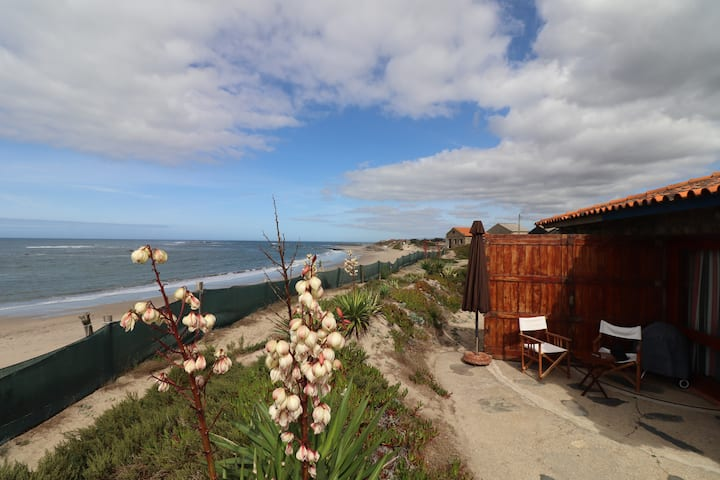 Beach Cabin - Amazing front water spot