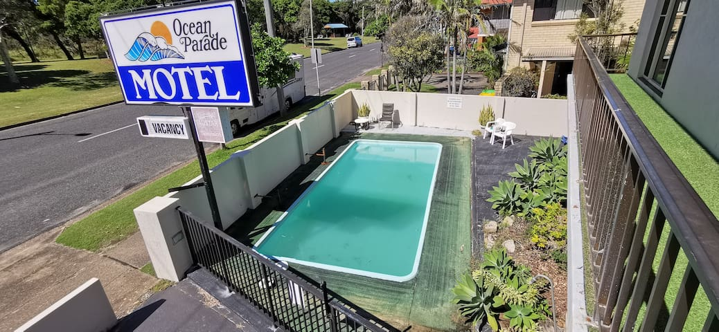 Nice one bedroom flat in Ocean Parade Motel (U19)
