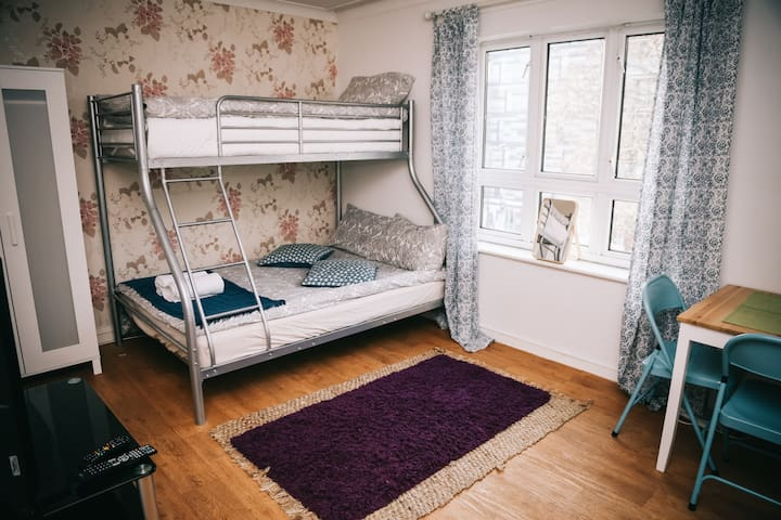 ₂Central Wide Bright Room in King's Cross