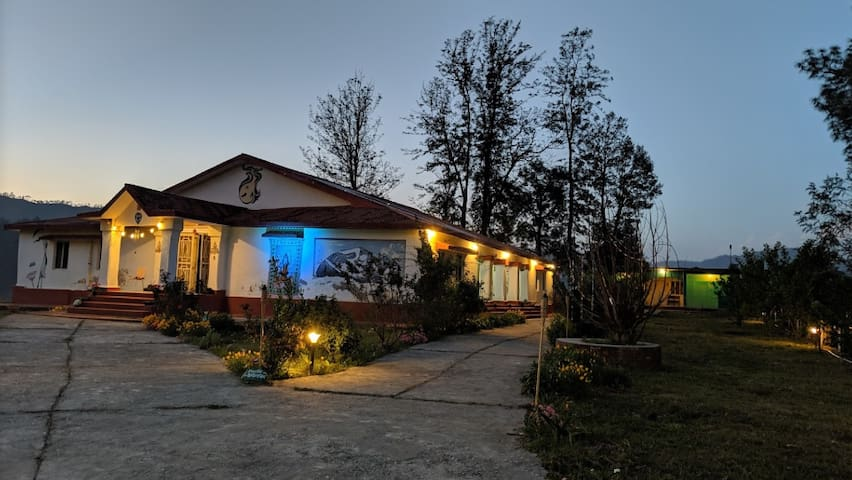 Beautiful cottage in the lap of Himalayas Almora