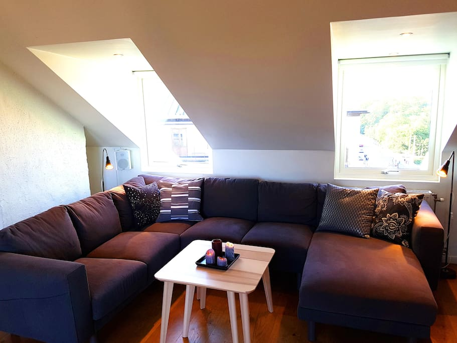 Living room with cosy sofa set.
