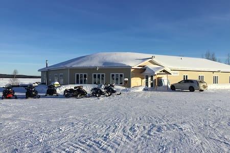 Chambre familiale (4 personnes) au lac Tiblemont