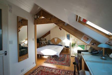 Studio Loft Space - Stone's Throw From the Sea