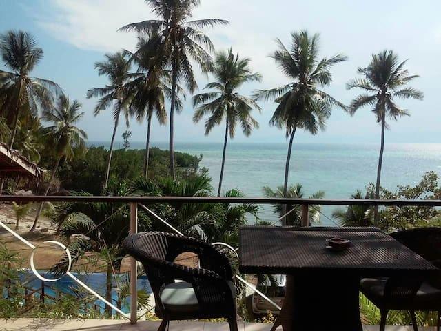 "Badian Beach House ""Casa Toussaint"""