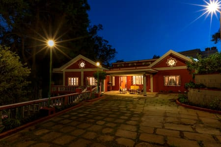 The Red House (B&B) Fernhill- Ooty - Ooty