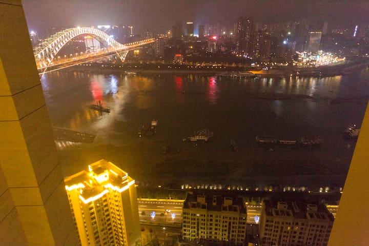 解放碑洪崖洞一桥之隔,超大明亮精致绝美江景夜景双卫大三居 - Chongqing - Apartamento
